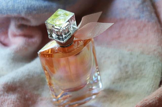 Lancome La Vie Est Belle Soleil Cristal Eau de Parfum Review, Photos