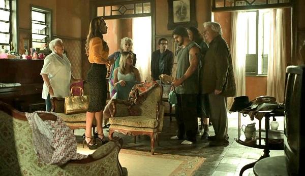 Maria da Paz vai até a casa de Rock para tirar satisfação (Imagem Reprodução/TV Globo)