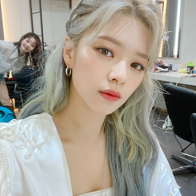 Jeongyeon Instagram Update