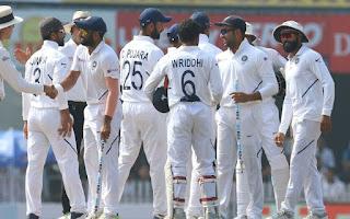 भारत ने दक्षिण अफ्रीका को तीसरे और अंतिम टेस्ट मैच में एक पारी और 202 रन से हराकर तीन मैचों की टेस्ट सीरीज को 3-0 से रौंदकर क्लीन स्वीप कर लिया
