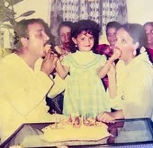 adaa khan with her parents in childhood