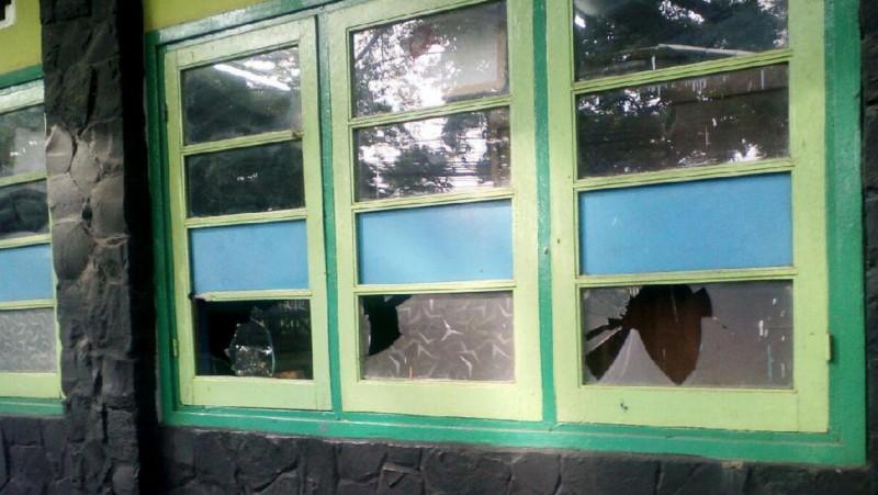 Kondisi SD Ciujung, Bandung setelah dirusak
