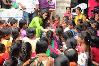 Actress Yamini Bhaskar Birthday Celebrations 2016 0008