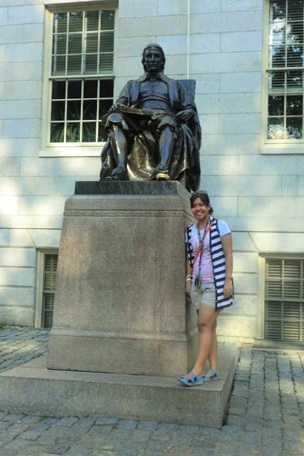 John Harvard statue | gurlayas.blogspot.com