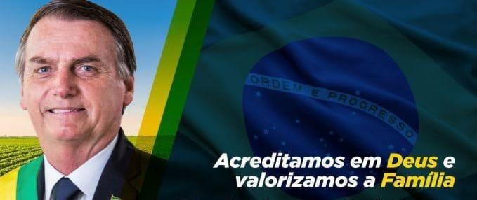 Bolsonaro vai pedir ao Senado abertura de processo contra Moraes e Barroso