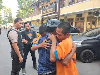 KAPOLRES LUMAJANG: Terapkan Restorative Justice Kepada 2 Tersangka Pembuat Mercon Atas Dasar Kemanusiaan