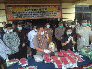 Kapolres Tanjungbalai AKBP Irfan Rifai  saat pemusnahan narkoba