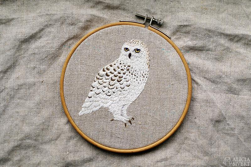 aliciasivert alicia sivert sivertsson broderi broderier embroidery hand needlework fritt skapa skapande kreativitet konst textil textilkonst schattérsöm plattsöm uggla fjälluggla vit snowy owl white