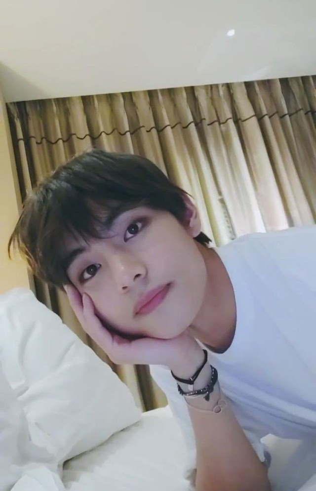 RECORD MAGNET BTS V'S VLIVE BECOMES THE FIRST & FASTEST VLIVE TO REACH 300M VIEWS of 2019