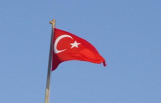 """الاتحاد الأوروبي لم يلتزم """"ماديا"""" باتفاقية اللاجئين مع تركيا"""