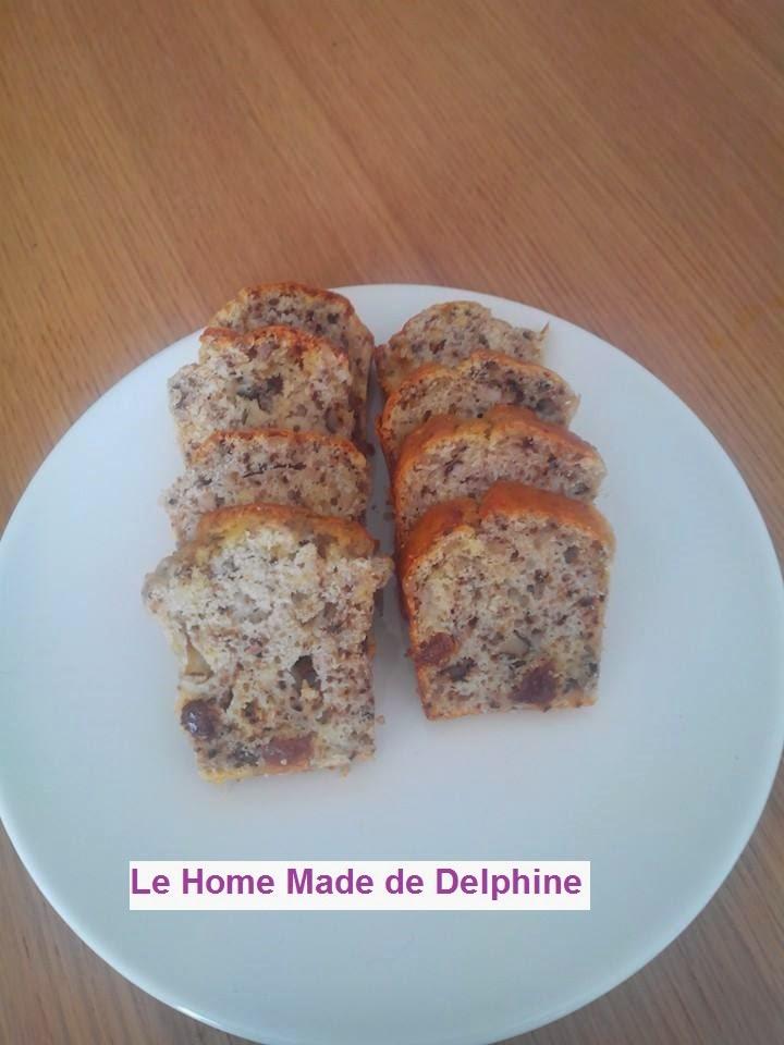 le home made de delphine cake au roquefort noix et raisins secs. Black Bedroom Furniture Sets. Home Design Ideas
