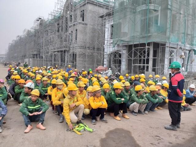 Công nhân xây dựng tại công trìnhcủa Coteccons