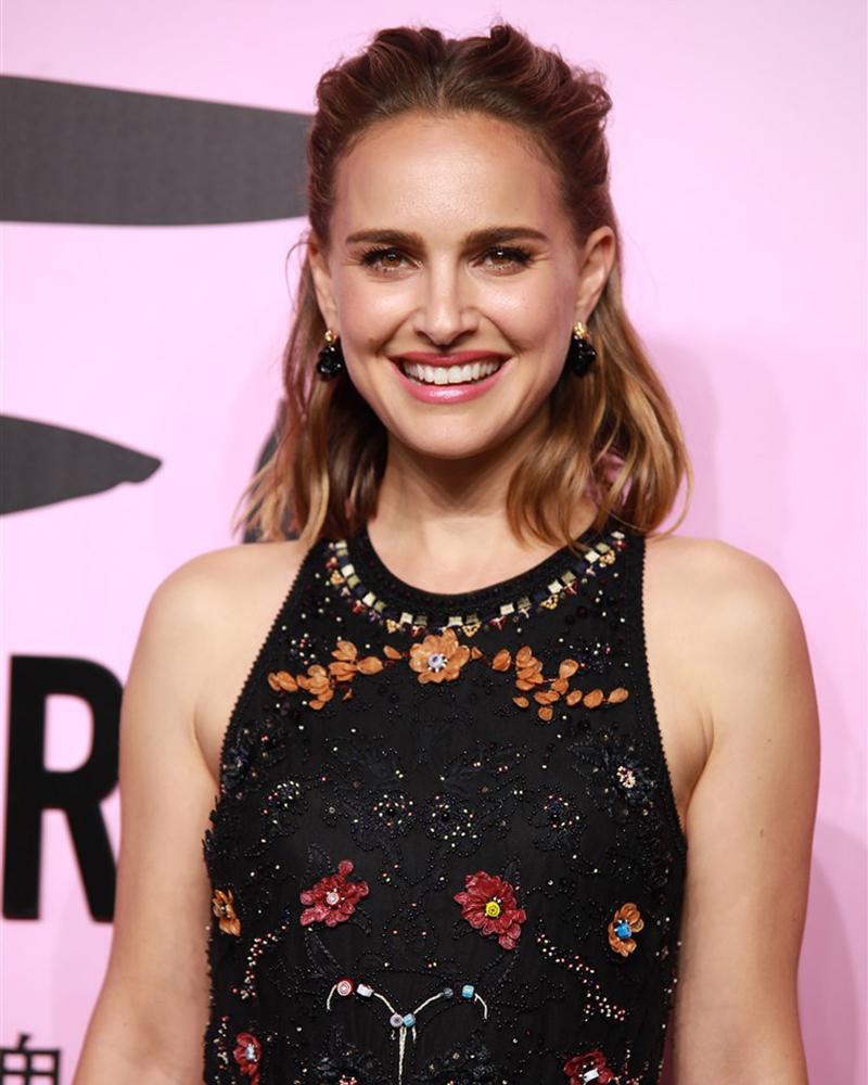 Natalie Portman artis Israel seksi dan manis