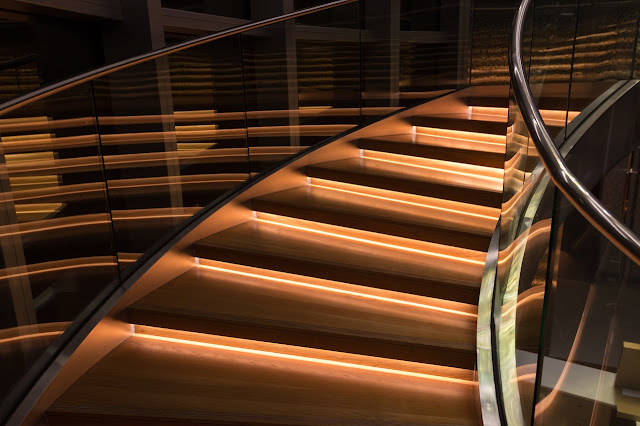 Why choose a glass rail for the interior stairs?