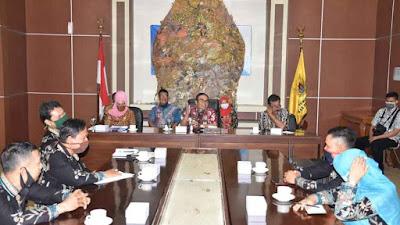 Pekalongan Government Seeks Existence of Wiyana Bakti Teacher