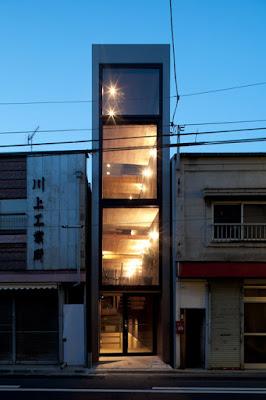 1,8M House - Terreno estreito