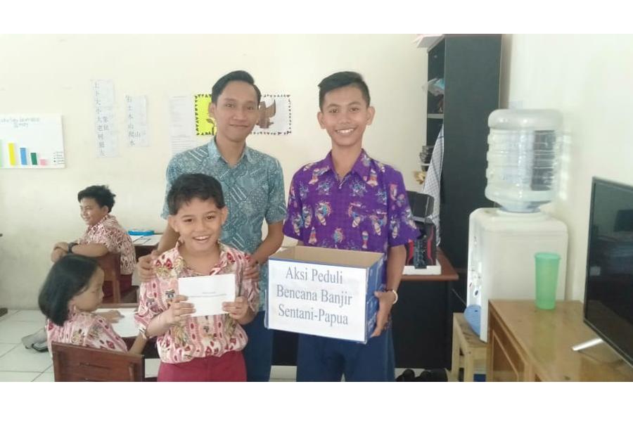 Peduli Bencana Sentani Papua, Sekolah Kristen Kalam Kudus Timika Melakukan Aksi Penggalangan Dana