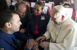 Paula Podest Ruiz and Carlos Ciuffardi Elorriga got married at 36,000ft in a ceremony officiated by the Pope Francis