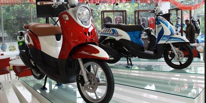 gambar motor klasik terbaru merk Honda Scoopy
