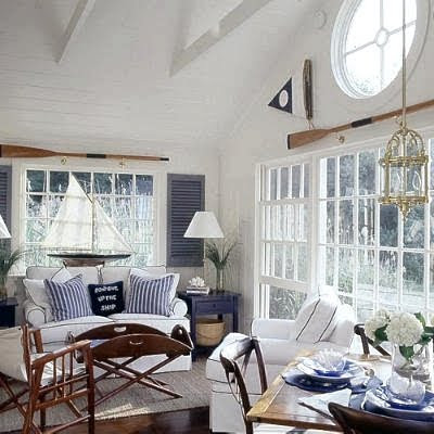 From Oar Racks To Curtain Rods Handrails People Are Finding Creative Uses For Oars But Most Often We See Them Mounted On Walls Via Coastal Living