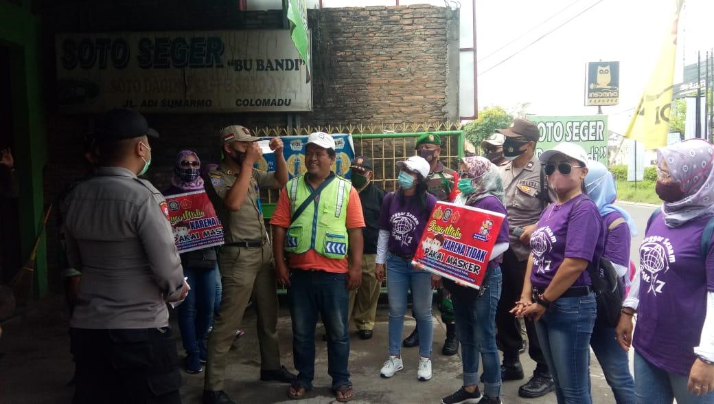 Serma Tri Gumawan Gencarkan Protokol Kesehatan di Wilayah Colomadu Karanganyar