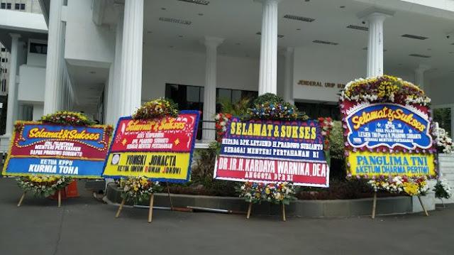 Relawan Jokowi Sampai Kapolda Papua Kirim Bunga untuk Prabowo