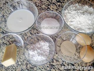 Ingredientele necesare prepararii retetei gogosilor la cuptor (cu paharul)