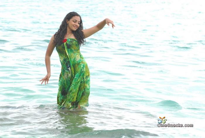 Indian Actoractress Profiles  Desi Indian Aunties  Girls Pics Nithya Menon Hot-9099