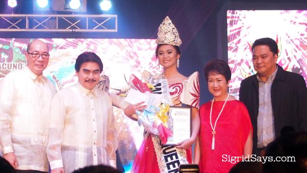 MassKara Queen 2016 with Bacolod officials