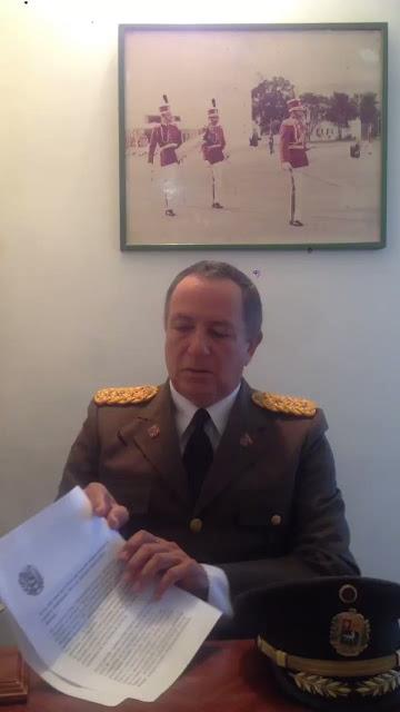 Cnel Hidalgo Valero RETOMA U UNIFORME DE SOLDADO. Llama a Todos a Plaza Altamira