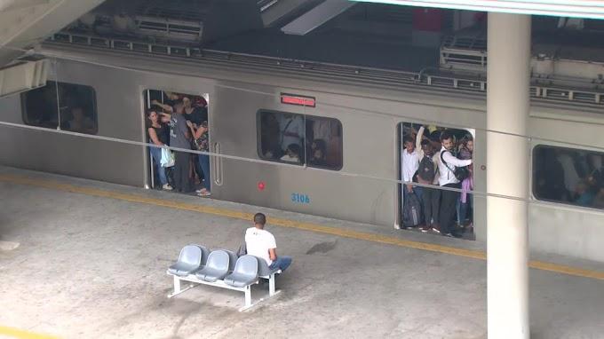 Supervia distribui bilhetes de graça para passageiros prejudicados com retirada de trens chineses