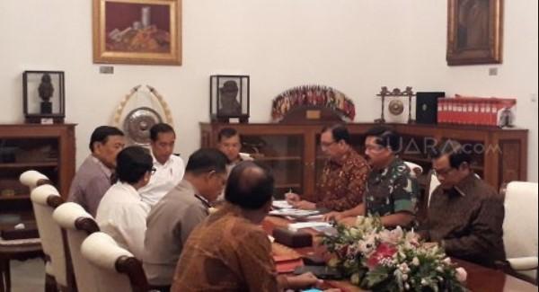 Prof LIPI Sebut Jokowi Mulai Panik Hadapi Gelombang Demo Mahasiswa, Panggil Kapolri & Panglima TNI