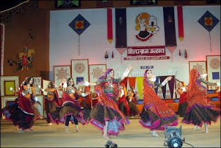 Artist Performing Shilpgram Fair, Shilpgram Village, Shilpgram Fair, Heritage Sites in Udaipur, Heritage of India, Indian Heritage, Udaipur Tourism, Tourist Information of Udaipur, Udaipur Tourist Information, Udaipur Tourist Attractions