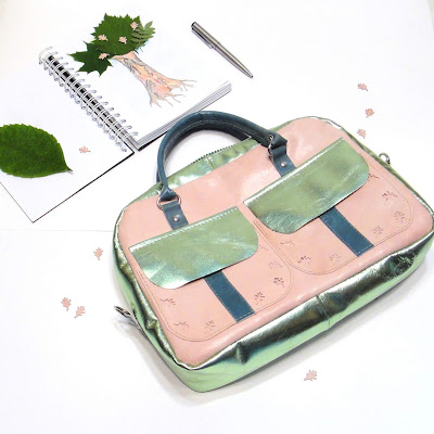 Розовая женская кожаная сумка с отделкой из кожи металлик. Шкура - натуральная овчина. Размер 20 х 28 см Ручная работа, доставка курьером или почтой