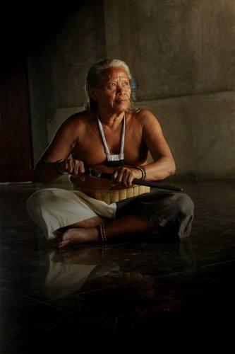 Mengenal_Suku_Dayak_Hindu-Budha_Bumi_Segandu_Indramayu