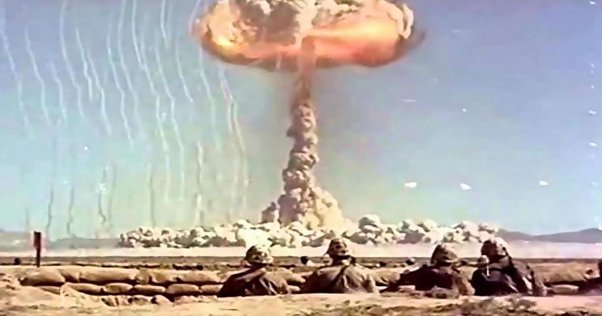 Ovnis monitoreando los ensayos nucleares: Hablan más de 150 testigos