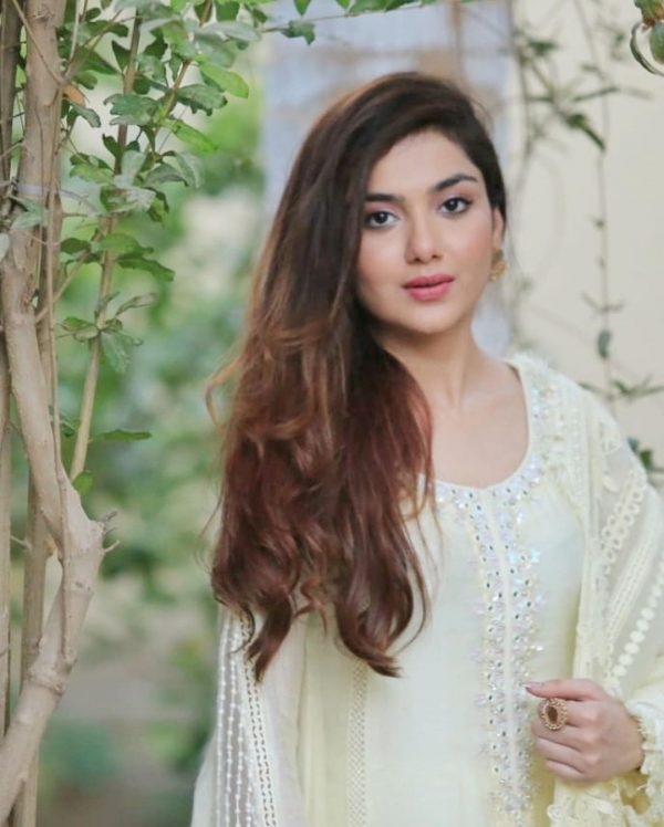 Syeda Tuba Aamir Beautiful Pictures Collection from Eid ul Fitr