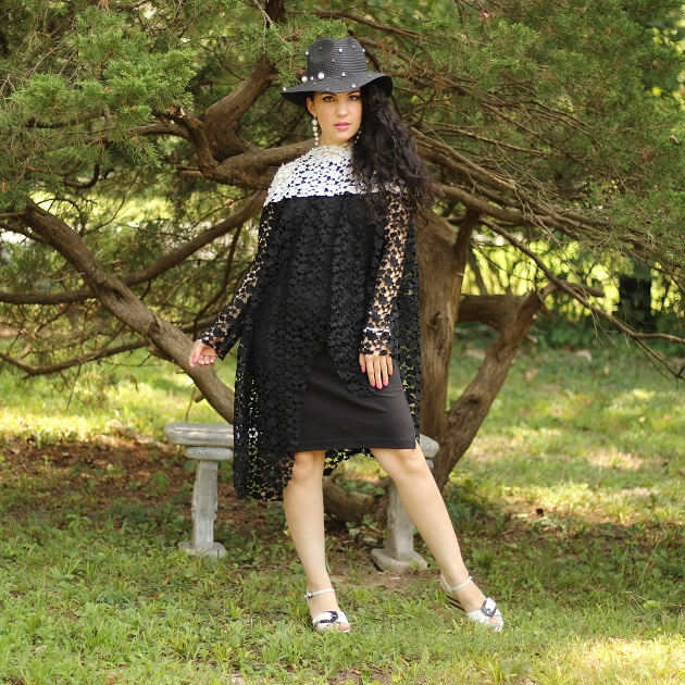 Noracora Black and White Lace Tunic