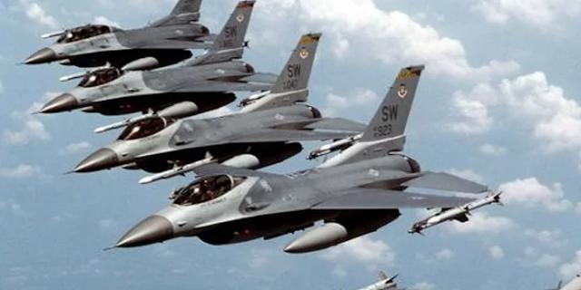 कितनी दहशत में है पाकिस्तान: भारत के यात्री विमानों को हवाई हमला समझ बैठा | WORLD NEWS