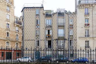 Paris : Immeuble Deneux au 185 rue Belliard, illustration moderniste d'un renouveau architectural au début du XXème siècle - XVIIIème