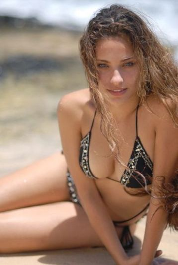 Actress Kristen StephensonPino Cleavage and Navel Actress Trend