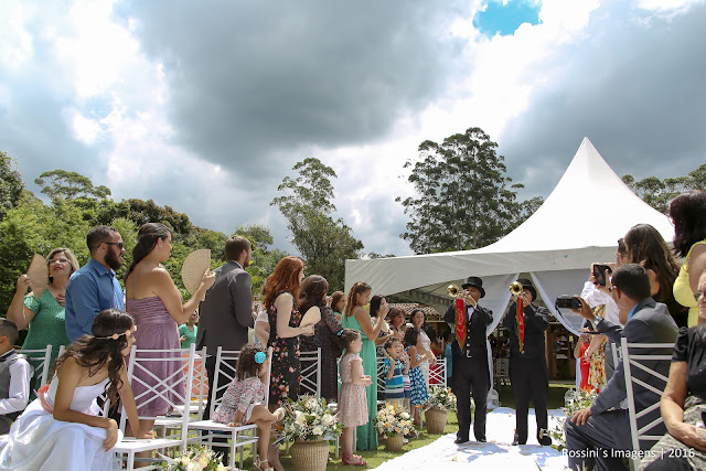casamento aline e rony, casamento rony e aline, casamento aline e rony no esconderijo do altíssimo - suzano - sp, casamento rony e aline no esconderijo do altíssimo - suzano - sp, casamento de aline e rony na chácara esconderijo do altíssimo - suzano - sp, casamento de rony e aline na chácara esconderijo do altíssimo - suzano - sp, fotografo de casamentos suzano - sp, fotografo de casamentos esconderijo do altíssimo, fotografo de casamento em esconderijo do altíssimo - suzano - sp, fotografo de casamento cidade suzano, fotografo de casamento suzano - sp, fotografia de casamento em esconderijo do altíssimo - suzano - sp, fotografia de casamento no esconderijo do altíssimo em suzano - sp, fotografias de casamentos em esconderijo do altíssimo - sp, fotografo de casamentos suzano,  fotografo de casamentos em suzano - sp,  fotografia de casamentos suzano, fotografias de casamentos em suzano, fotografo de casamentos, fotografo de casamento, fotografos de casamentos no esconderijo do altíssimo - suzano - rossini's imagens, orquestra maldonado, banda duothiree, madrinhas de salmon, vestido salmon, noiva de branco, buffet e decoração esconderijo do altíssimo, assessoria daiane melo, casamento no campo, noiva no campo, casamentos, casamento, casamentos em suzano, esconderijo do altíssimo, espaço para casamento em suzano sp esconderijo do altíssimo, fotos criativas de casamento, filmagem casamento suzano - sp, vídeo de casamento em esconderijo do altíssimo - sp, filmagem de casamentos em esconderijo do altíssimo, filmagem de casamentos em esconderijo do altíssimo em suzano - sp, filmagem de casamento em chácara esconderijo do altíssimo - suzano - sp, videomaker de casamentos suzano - sp;  videomaker de casamentos suzano - sp; fotos e vídeo criativos de casamento,  foto e vídeo de casamento, wedding, bride, wedding photographer, abençoado por deu, foi deus, casamento lindo, noiva aline oliveira, noivo rony quelson, casamento realizado em 05-03-2016,  fotografia e filmagem, foto