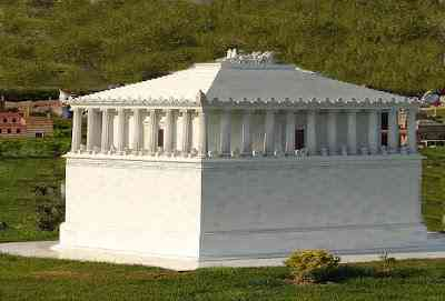 Seven-Wonders-of-the-Ancient-World-Mausoleum-at-Halicarnassus-عجائب-الدنيا-السبع-ضريح-موسولوس