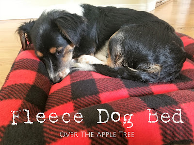 Fleece Dog Bed, Over The Apple Tree