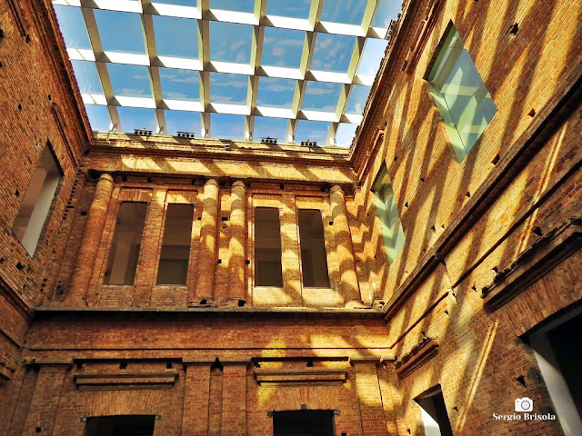 Detalhe do átrio superior da Pinacoteca de São Paulo - Luz - São Paulo