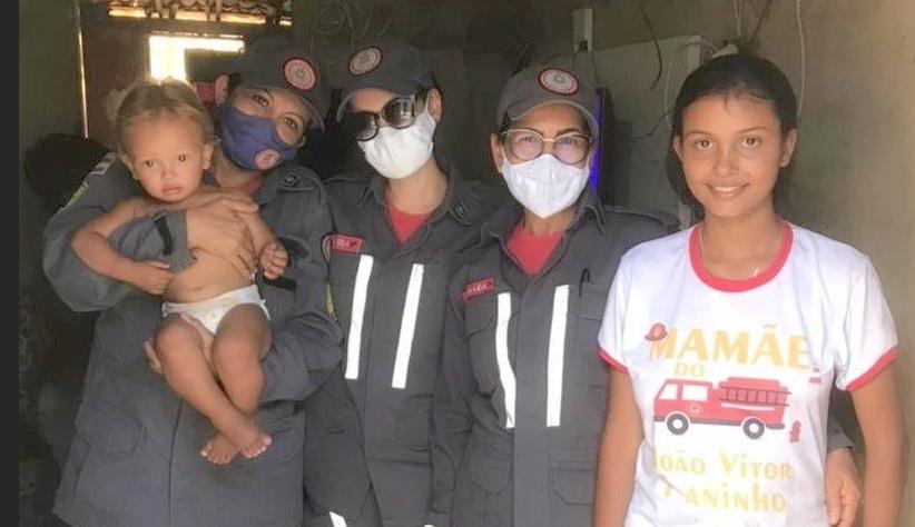 Em Juazeiro, bombeiras comemoram primeiro ano de bebê que nasceu no quartel 9ºGBM - Portal Spy Notícias