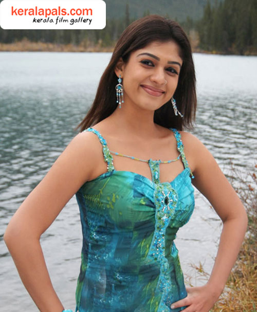 Funny Picture Clip South Indian Actress Nayanthara Latest -8565