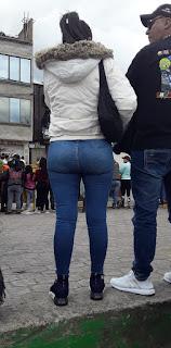 Linda mexicana cola redonda pantalones