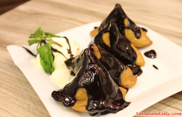 Chocolate Samosa, mumbai delights, plaza mont kiara, indian street food, north india street food, indian spices, indian food,