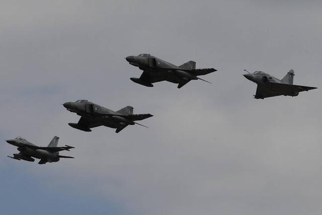 «Αερομαχίες» στο Αιγαίο - Έλληνες πιλότοι «κλειδώνουν» τουρκικά F-16